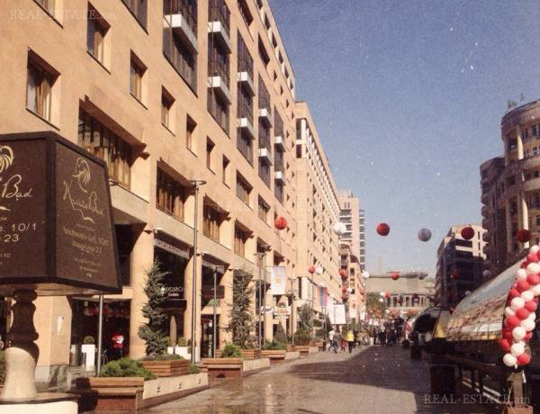 3-senyakanoc-bnakaran-vacharq-Yerevan-Center