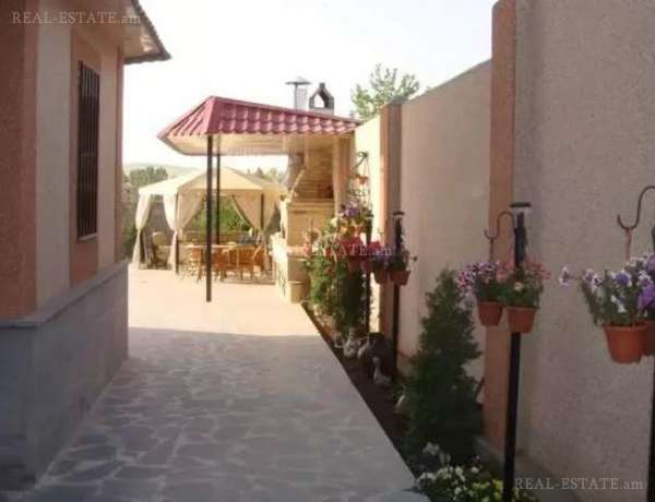 House for sale Nikol Duman St, Arabkir Yerevan, 53174