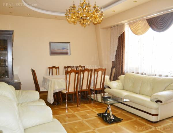 3 bedrooms apartment for rent خیابان زاکیان, مرکز شهر ایروان, 29124